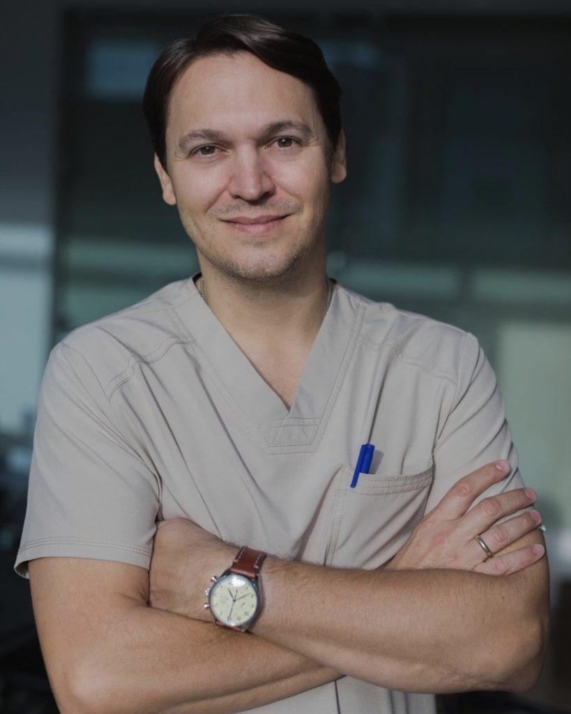 Dr. Daniel Masis